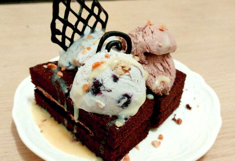 食譜【冰淇淋】免機器自製冰淇淋,一次做三種口味藍莓/優格/巧克力超迅速完工