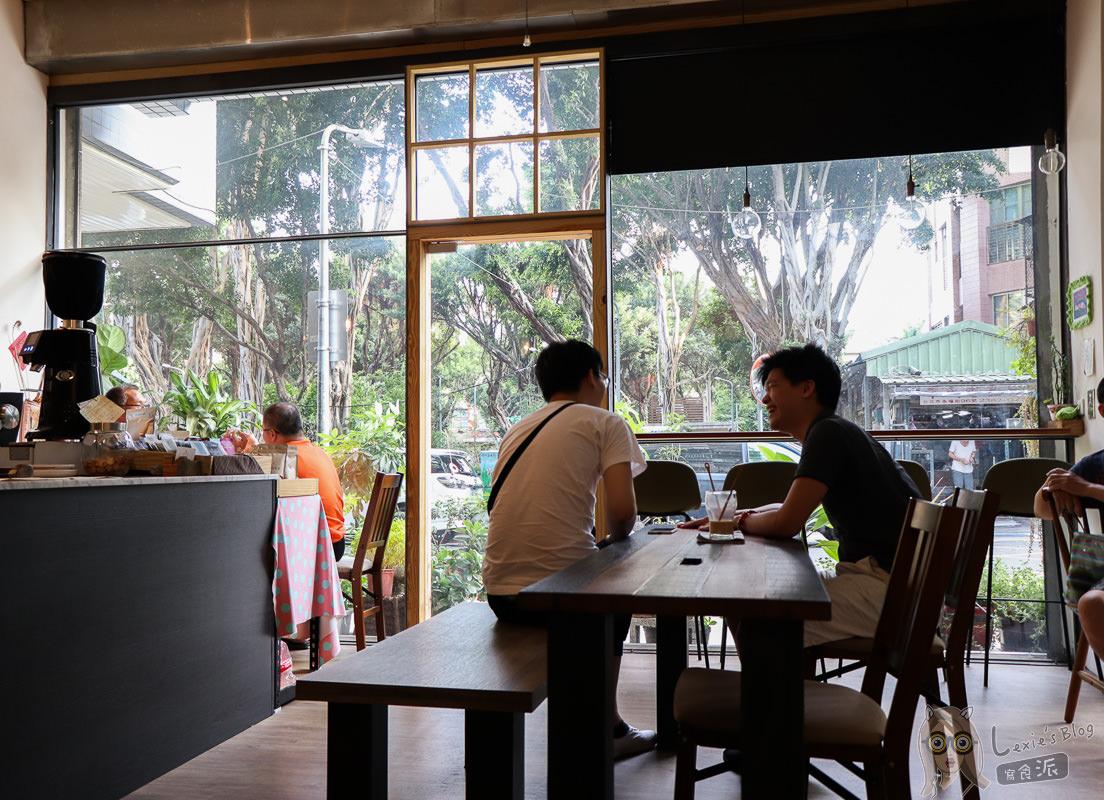 萬華不限時咖啡廳》丸花豆倉手沖咖啡廳,恬靜的巷弄咖啡館