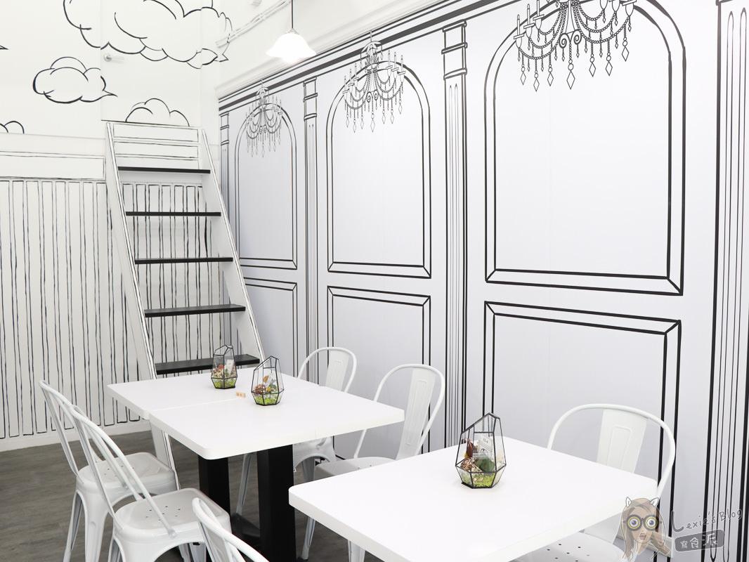 士林餐廳推薦》黑犬-黑白漫畫風餐廳,又美又好吃的清新空間