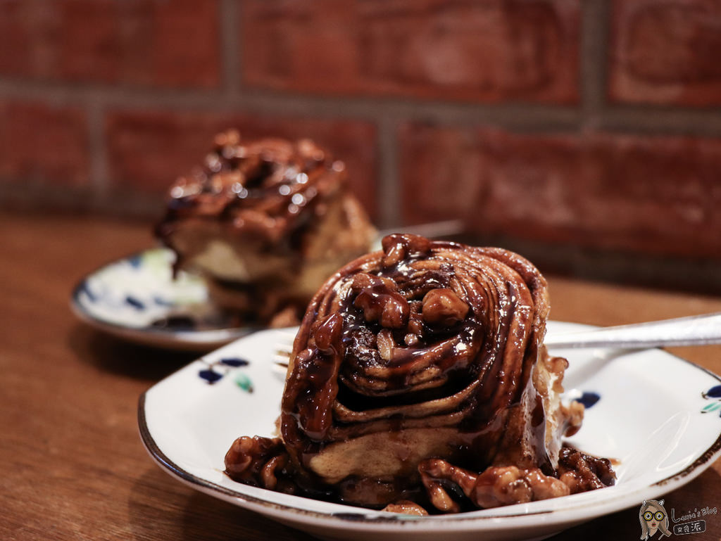 【忠孝復興美食】fly's kitchen終於吃到蒼蠅哥的限量肉桂卷鮪魚三明治/西西里咖啡