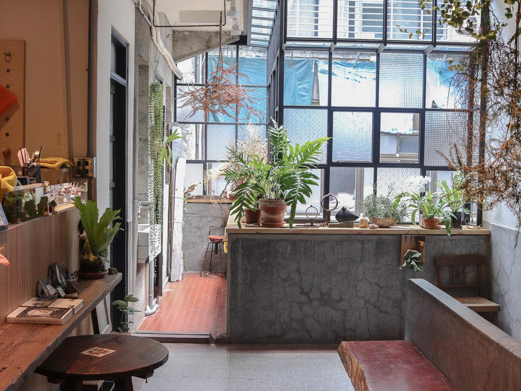 雙連站咖啡廳》好人好室x 七二聚場,在綠意老宅度過閒適午後,不限時咖啡廳