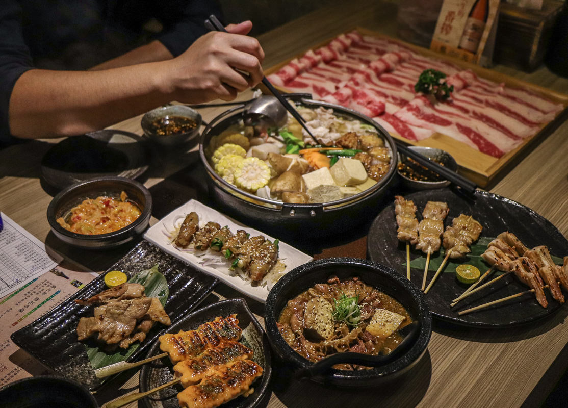 台北東區平價居酒屋/火鍋》激安の吉烹酒場,CP值超高串燒/日本料理,多種日本酒類喝到飽