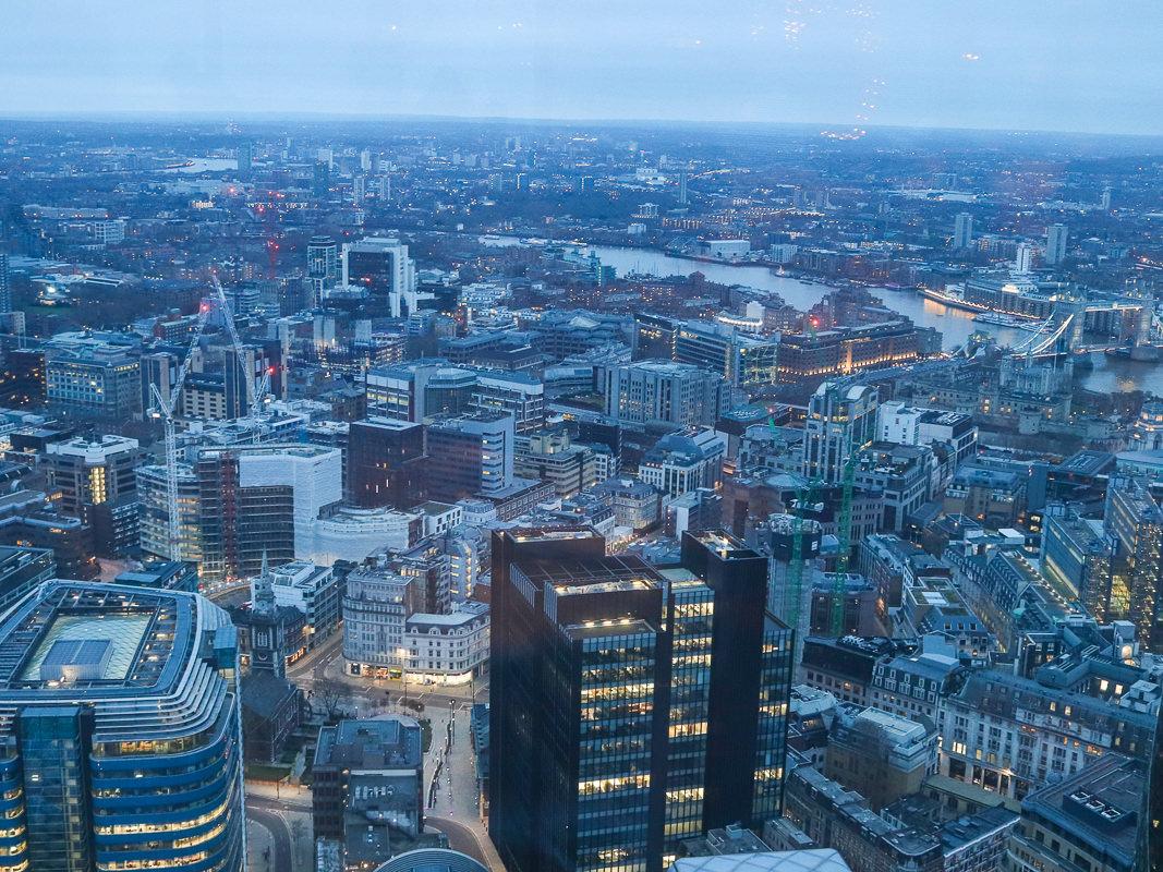 倫敦必吃早餐duck & waffle,視野一級棒的景觀餐廳,倫敦市美景盡收眼底/訂位方式菜單交通