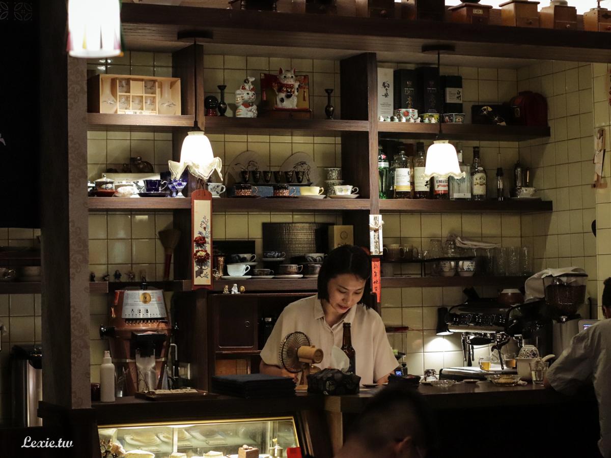 大稻埕咖啡廳|孵咖啡-孵珈琲洋行,手沖咖啡甜點,老派復古咖啡館