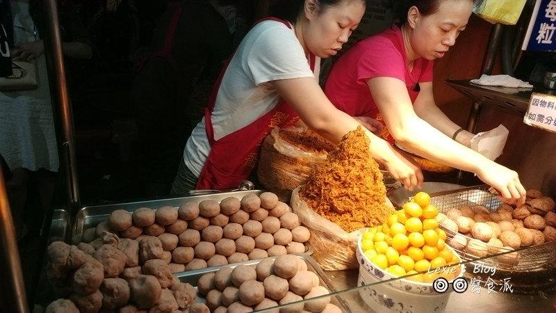 食記【台北】寧夏夜市必吃之我的最愛:詹記雞腳翅芋頭丸阿婆飯糰鳥蛋達人
