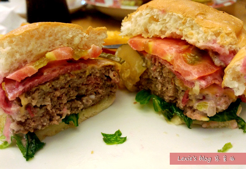 華艾芙漢堡2.jpg