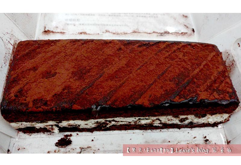 食記【團購美食】黑天使的禮物,檸檬鐵塔乳酪條、深黑白巧克力蛋糕推薦