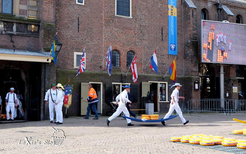 阿克瑪乳酪市集Alkmaar-cheese-market15.jpg