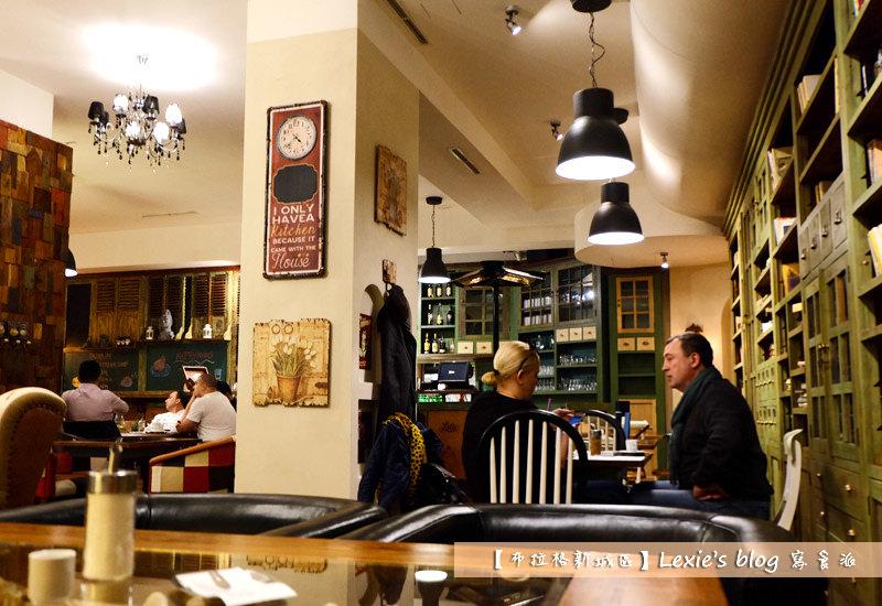 nest-cafe5.jpg