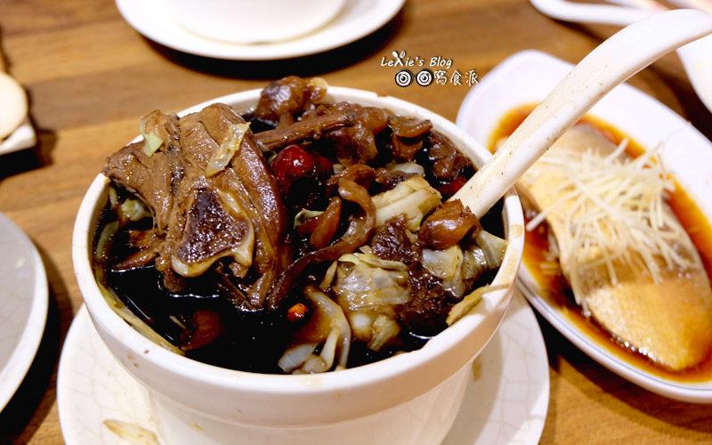 食記【食記】雙月食品社,健康美味的雞湯鮮蚵虱目魚,立法院善導寺美食(菜單menu)