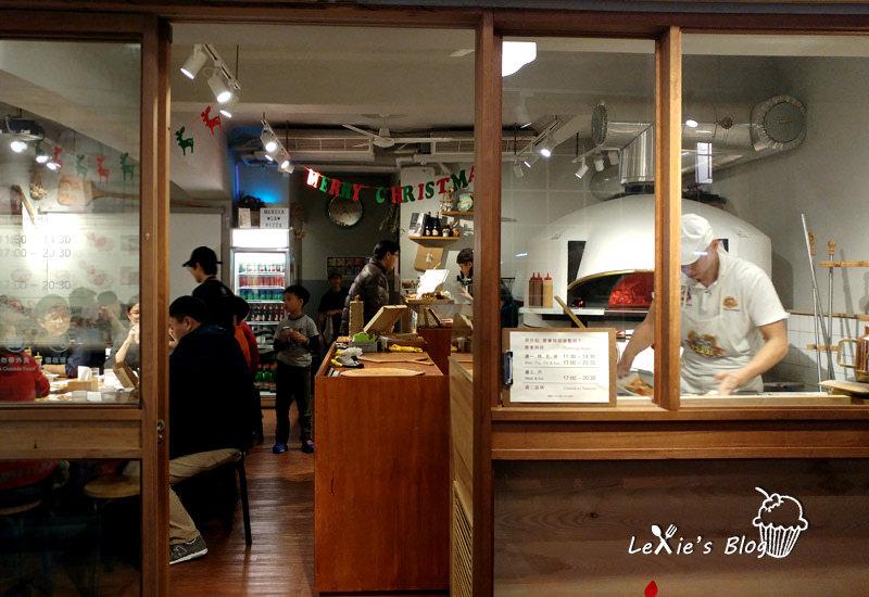 萬華cura-pzza18.jpg
