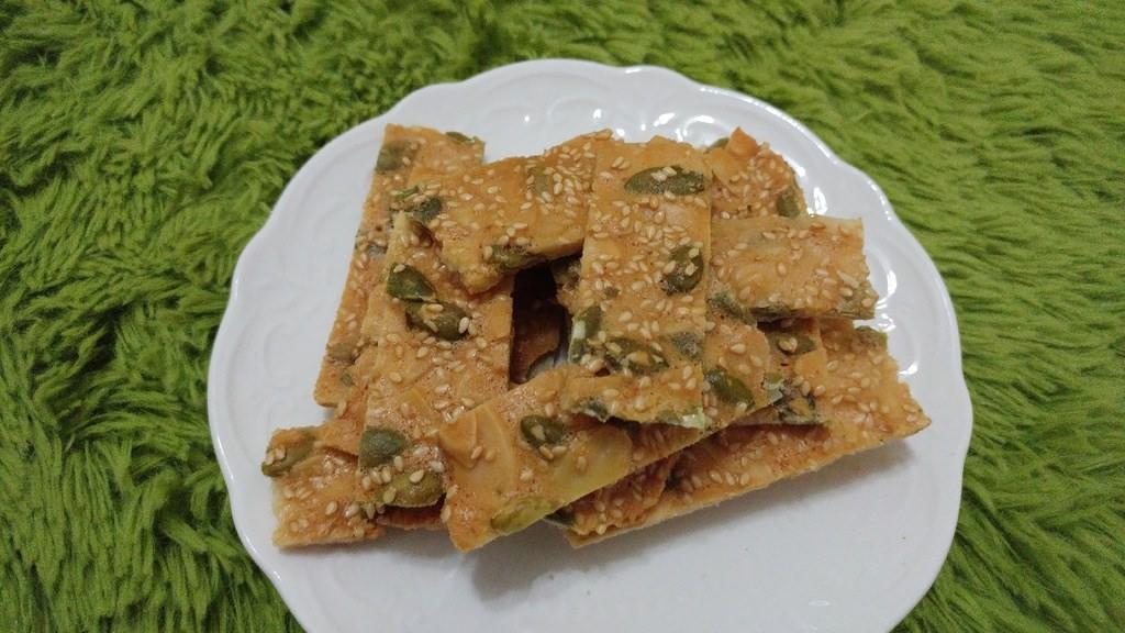 食譜【杏仁瓦片】好吃簡單的餅乾點心~蛋白/全蛋加蛋白 凸成整片切長條!