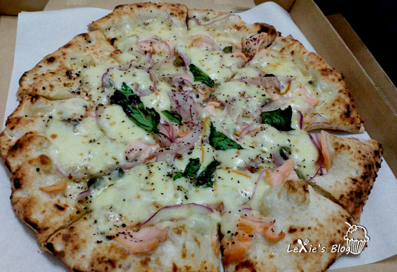 【台北超好吃pizza】萬華美食cura pizza手工窯烤Pizza,餅皮Q軟料美味,也可以外帶