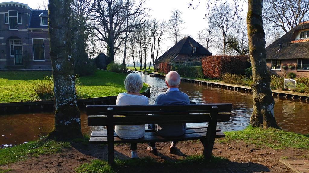 【荷蘭自助9天】羊角村Giethoorn夢幻美麗的小村落,交通租車自駕,好吃餐廳推薦