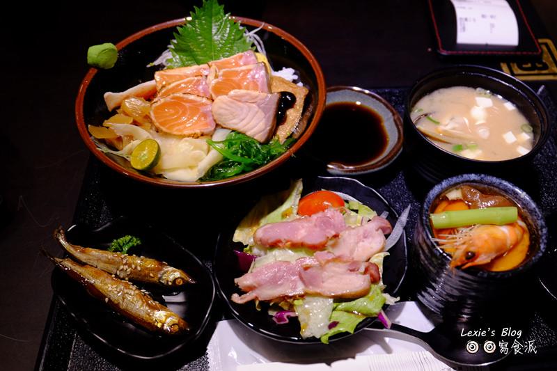食記【台北】八坂丼屋,好吃CP值高的丼飯日本料理推薦(菜單menu)萬華家樂福