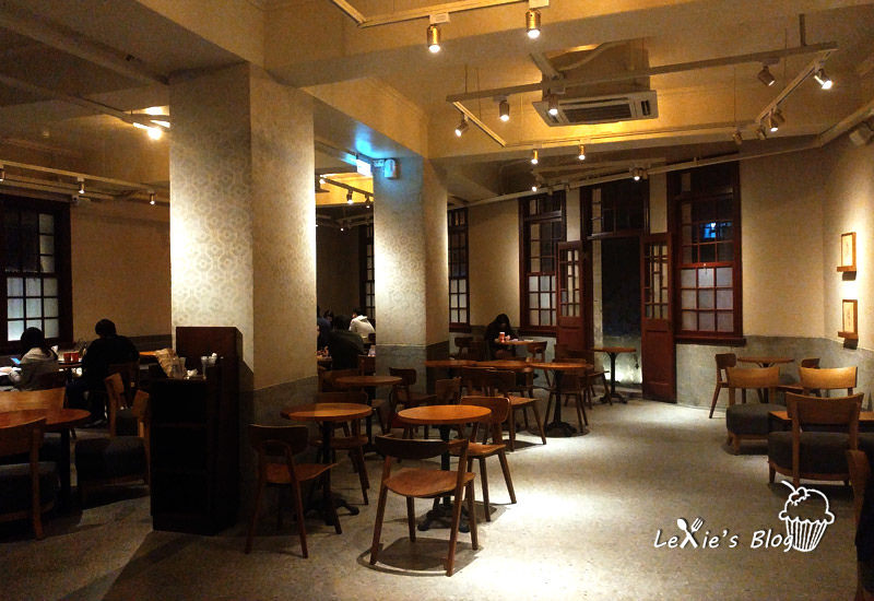 食記【台北】萬華林宅星巴克,裝潢古色古香空間大又舒適,咖啡廳推薦